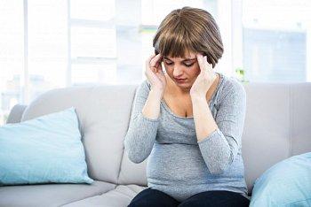 Головная боль при беременности в 1, 2, 3 триместре